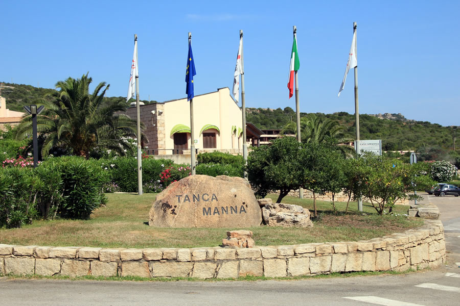 Tanca Manna Resort entrance